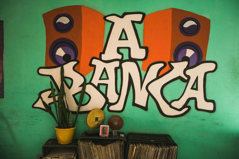 DJ Bola, d'A Banca, conta em entrevista exclusiva à Aupa sobre seu olhar para os negócios de impacto.