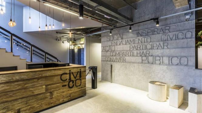 Recepção do Civi-co, coworking de empreendimentos sociais localizado em Pinheiros, São Paulo.